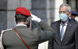 Đi ăn hàng, Tổng thống Áo phải xin lỗi vì vi phạm giờ giới nghiêm