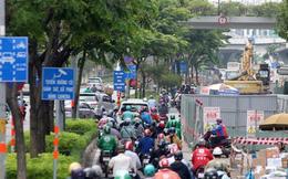 Cận cảnh 'lô cốt' đầy đường khu vực nút giao chân cầu Sài Gòn
