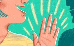 Kẻ EQ thấp thường tự khoe bản thân, còn người khôn ngoan dùng 1 câu nói khiêm tốn để xoay chuyển tình thế của mọi cuộc giao tiếp