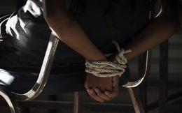 Được thuê để đột nhập vào nhà chơi trò 'người lớn', 2 thanh niên Úc bế nhau vào tù  do đi nhầm địa chỉ