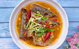 Cả nhà phản đối khi thấy tôi dùng nước mía để kho cá nhưng khi ăn ai cũng khen nức nở