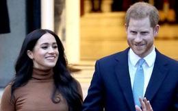 Vợ chồng Meghan Markle và Harry bị tố 'thất hứa' khi vẫn dùng tước hiệu Hoàng gia trước đây của mình sau khi đã dứt áo ra đi