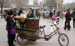 Từng bị xua đuổi, giới bán rong trở thành niềm hi vọng trong nỗ lực phục hồi kinh tế đô thị ở Trung Quốc