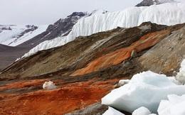 Bí ẩn về 'thác máu Nam Cực' và những giải mã bất ngờ