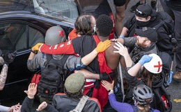 Mỹ: Tài xế nổ súng vào đám đông biểu tình, suýt thành thảm sát đẫm máu