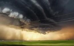 Cận cảnh quá trình hình thành cơn bão vô cùng ấn tượng