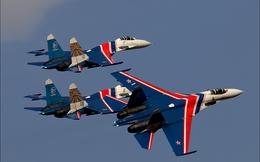 """""""Thay máu"""" Hiệp sĩ Nga bằng chiến đấu cơ Su-35 và Su-30SM"""