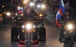 """Chùm ảnh: Tổng thống Putin cưỡi """"sói đêm"""""""
