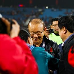 Người hùng World Cup tỏa sáng, Việt Nam bất ngờ