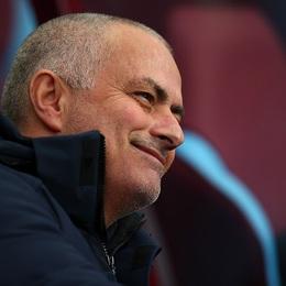 2 lần được VAR giúp sức, Man United quật ngã Chelsea bằng những miếng đòn bất ngờ
