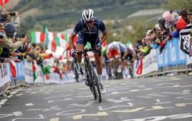 Julian Alaphilippe giúp người Pháp có HCV xe đạp thế giới sau 23 năm chờ đợi