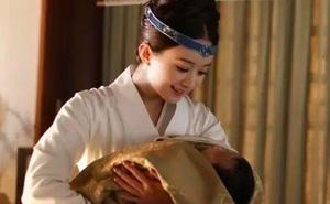 Phụ nữ Trung Quốc thời xưa sinh con luôn phải có chậu nước nóng đặt cạnh bên, nguyên nhân là do đâu?
