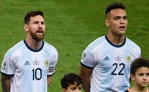 Messi không ghi bàn, Argentina vẫn thoát hiểm nhờ chân sút từng gục ngã tại Mỹ Đình