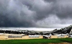 Lốc xoáy kinh hoàng làm sập nhà xưởng KCN Tân Hương