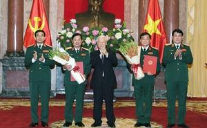 Tổng Bí thư, Chủ tịch nước trao quân hàm Thượng tướng cho hai sĩ quan cấp cao Quân đội