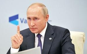 """TT Putin """"nhắn nhủ"""" những người mong Nga tàn lụi"""