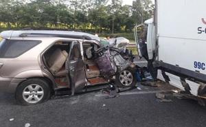 Xe ô tô Fortuner lao qua dải phân cách trên cao tốc khiến 3 người thương vong