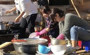 Không thua kém gì Việt Nam, người Hàn Quốc cũng có rất nhiều 'thủ tục' trên bàn ăn