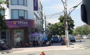 Khởi tố người đàn ông tẩm xăng cướp ngân hàng TP Bank ở Sài Gòn