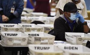 """Georgia lại phát hiện hơn 3.000 phiếu bầu bị bỏ sót, quan chức bang nói gì về """"cơ hội"""" của TT Trump?"""