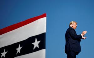 """Đưa ra quyết định hiểm hóc giữa nguy cơ rời Nhà Trắng: Ông Trump """"bắn 1 phát đạn trúng 2 mục tiêu""""?"""
