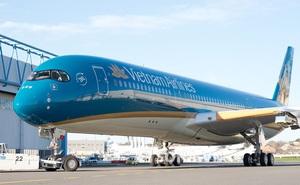Nam hành khách bật lửa đốt khăn trên máy bay Vietnam Airlines bị phạt 2 triệu đồng