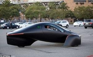 Xe điện 'không cần sạc' chạy bằng năng lượng Mặt Trời