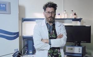 Nhà khoa học Nga bị đâm nhiều nhát, rơi xuống từ tầng 14 khi đang nghiên cứu về vaccine COVID-19