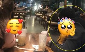 Đưa gia đình đến quán cafe, ông bố chỉ làm hành động nhỏ liền được khen cách dạy con, bảo sao con gái nhìn dễ thương quá!