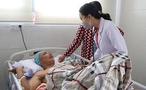 Hai bệnh nhân đột quỵ, người tử vong người được cứu sống chỉ khác nhau điều này