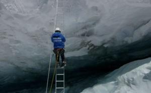 """""""Tim đập chân run"""" khi đi qua khe núi hiểm trở bậc nhất thế giới"""