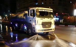Nhiều ý kiến về việc chi hơn 100 tỷ đồng rửa đường ở Hà Nội