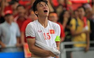 """Cú bước hụt """"vô lý"""" nhất của U23 Việt Nam: Công Phượng bàng hoàng, Quế Ngọc Hải òa khóc"""