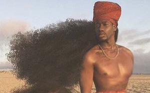 """2 bố con sở hữu kiểu tóc xù bông """"bá đạo"""" nhất thế giới khiến ai nhìn cũng trầm trồ và còn ghi tên vào kỉ lục Guinness"""