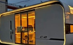 Ngôi nhà mini như bước ra từ phim viễn tưởng, gọn gàng nhưng đủ không gian cho gia đình 4 người