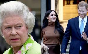 Meghan Markle từ chối thành ý của Nữ hoàng Anh trong khi Harry thì tuyệt vọng, hôn nhân của cả hai đang trên bờ vực đổ vỡ?