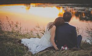 """""""Tôi kết hôn đã 30 năm, nhưng chưa bao giờ tiêu tiền của chồng"""": Hôn nhân đẹp nhất không phải là góp gạo thổi cơm chung, mà là năm tháng về sau"""