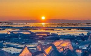 Cuộc sống nơi lạnh nhất thế giới bị đe dọa: Nắng nóng kỷ lục khiến băng vĩnh cửu tan, người dân phải đối mặt với sự đảo lộn mất kiểm soát