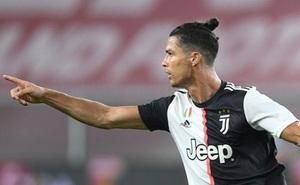 Ronaldo lập siêu phẩm, Juventus vững vàng trên đỉnh Serie A