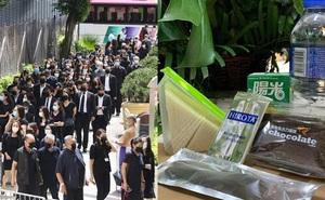 Tiết lộ túi quà mà gia tộc danh giá nhất Hồng Kông tự tay chuẩn bị cho các phóng viên ở tang lễ Vua sòng bài Macau
