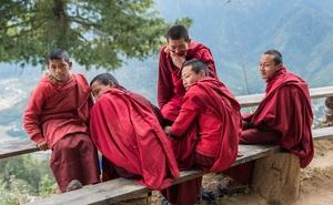 5 nhà sư đi đến tu viện, cuối cùng chỉ 1 người tới nơi, vậy chuyện gì xảy ra giữa đường?