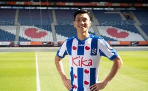 """Van Bakel: """"Tôi sẽ tìm phương án B cho Văn Hậu nếu cậu ấy rời Heerenveen"""""""
