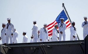 Thủy thủ Mỹ bị tố tuồn tin mật cho người Nga