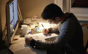 Mất cả đêm để hoàn thành 1 bài toán, cậu sinh viên khiến thầy giáo kinh ngạc khi nhìn vào đáp án