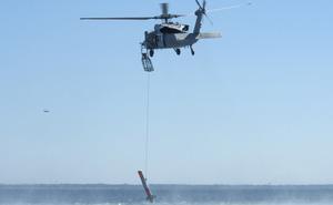 Trực thăng Hải quân Mỹ vô tình đánh rơi mìn công nghệ cao
