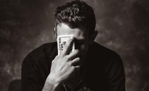 Có những thứ mà tuổi nào cũng nên biết: Đàn ông có tiền, với ai cũng có duyên!