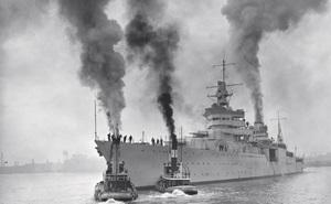 Thảm kịch chiến hạm Mỹ trúng ngư lôi Nhật Bản: Thủy thủ sống những ngày như địa ngục