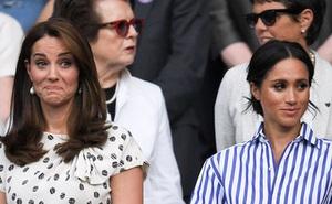 """Công nương Kate và em dâu Meghan Markle chính thức """"ngoảnh mặt làm ngơ"""" nhau chỉ vì một bó hoa"""