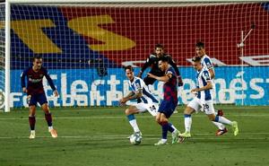 """Messi và Barca nhọc nhằn đánh bại """"kẻ thù không đội trời chung"""" trong trận cầu có số thẻ đỏ nhiều hơn bàn thắng"""