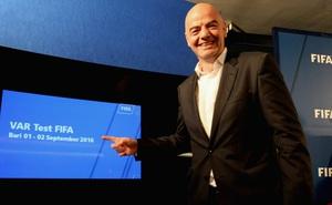 Chủ tịch FIFA Gianni Infantino - người bị điều tra tham nhũng, là người thế nào?
